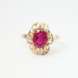 10k ladies ring with red stone