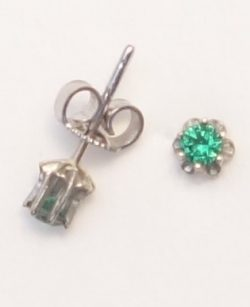 14k white gold earrings with green stone side view