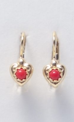 18k heart earrings with coral stones