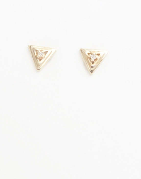 10k triangle diamond stud earrings front view
