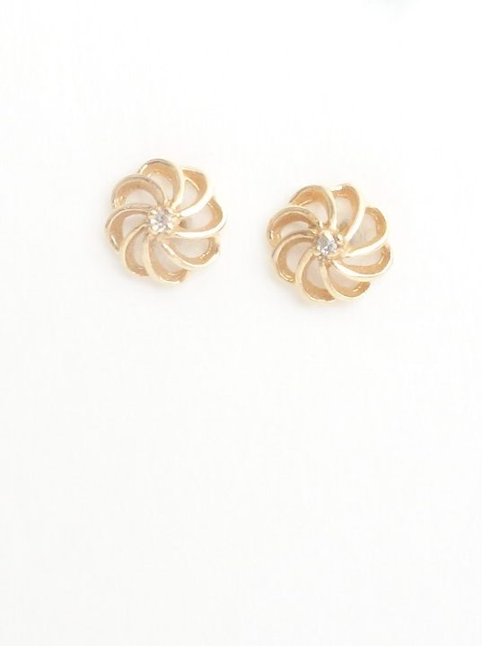 10k stud earrings with diamonds