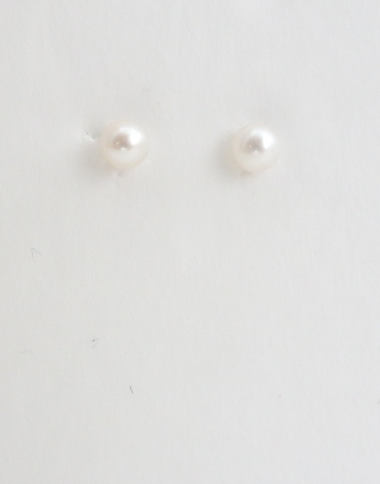 14k pearl earrings 4mm