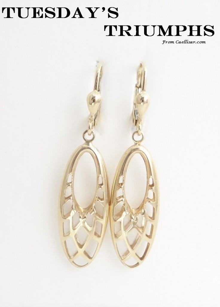 tt 10k yellow gold oval drop earrings